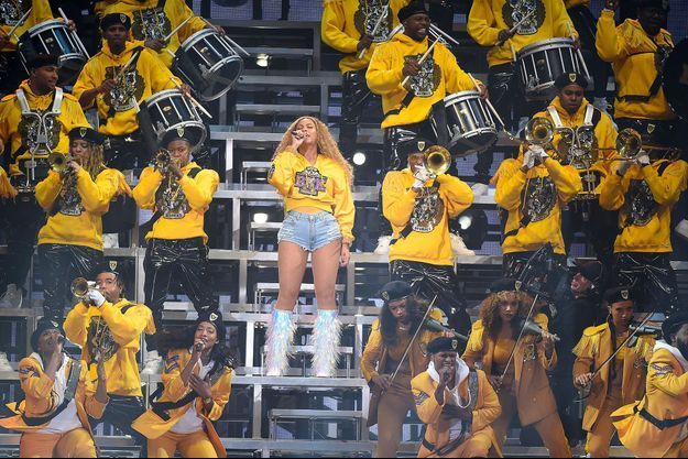 Beyoncé sur la scène du festival de Coachella samedi 14 avril