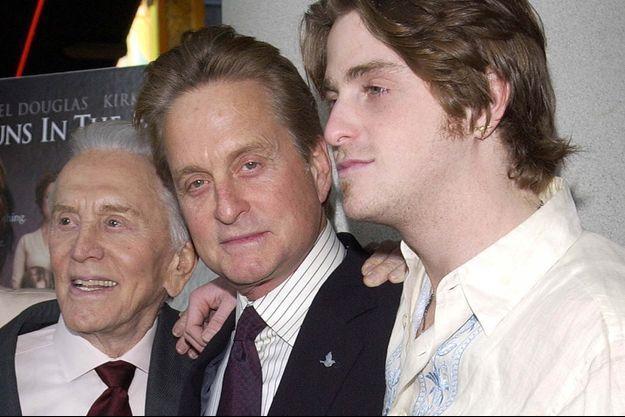Trois générations réunies : Kirk, Michael et Cameron Douglas en 2003.