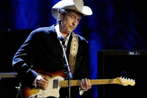 Bob Dylan sur scène à Los Angeles, en 2004.