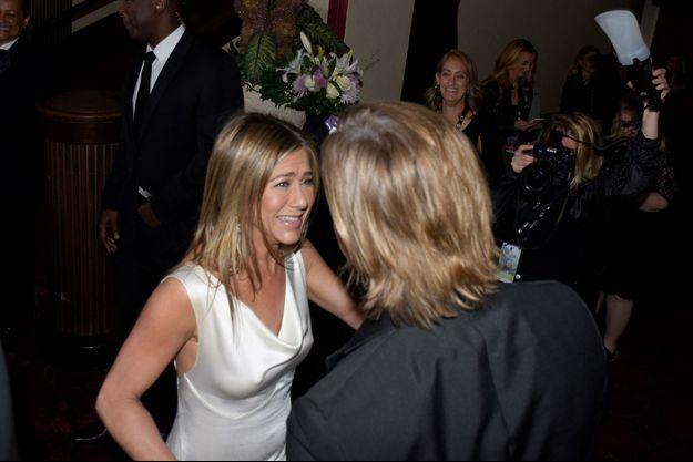 Brad Pitt et Jennifer Aniston se retrouvent à la soirée des SAG Awards à Los Angeles, dimanche 19 janvier 2020.