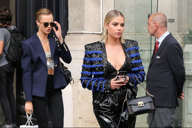 Cara Delevingne et Ashley Benson à Paris, le 28 septembre 2018