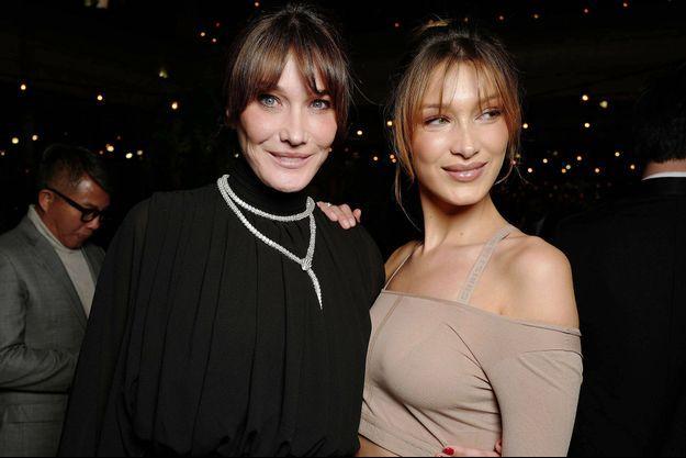 Carla Bruni et Bella Hadid lors d'une soirée Dior organisée à Cannes en mai 2019