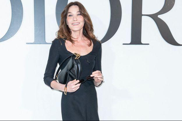 Carla Bruni à Paris le 25 février 2020.