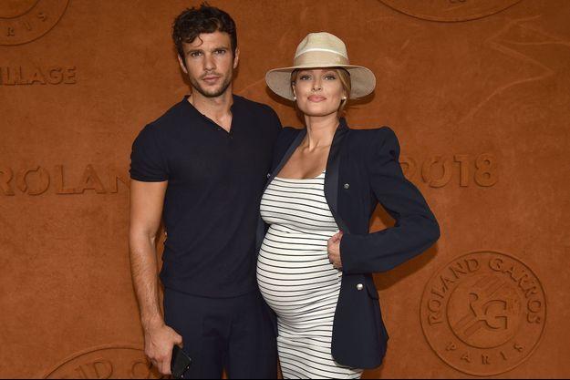 Caroline Receveur et son compagnon Hugo Philip à Roland Garros le 9 juin dernier.
