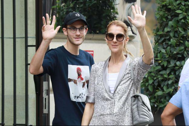 Céline Dion et son fils aîné René-Charles à Paris, en juillet 2017.