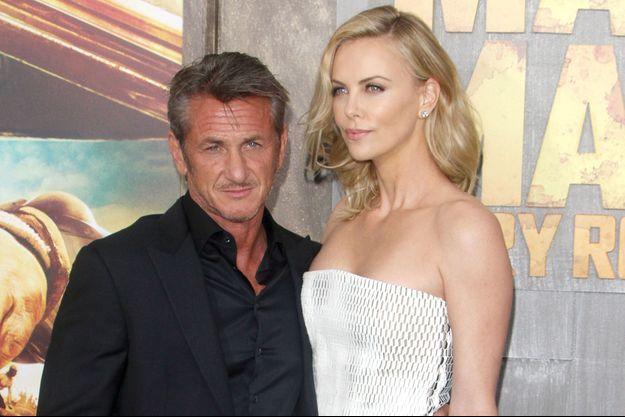 """Sean Penn et Charlize Theron en 2015 à la première hollywoodienne de """"Mad Max : Fury Road"""""""