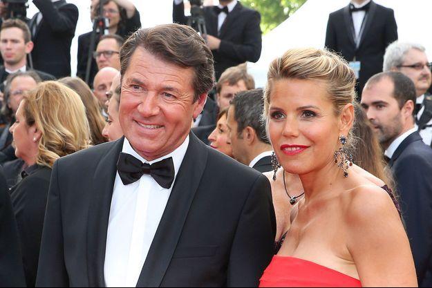 """Christian Estrosi et Laura Tenoudji lors de la montée des marches du film """"Café Society"""" pour l'ouverture du 69ème Festival International du Film de Cannes."""