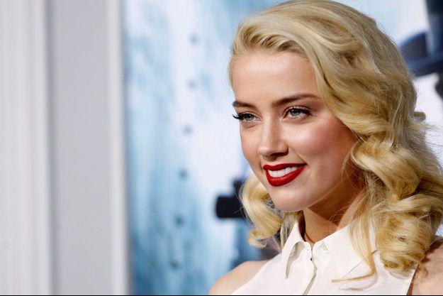 "Amber Heard, à l'avant-première de ""Sherlock Holmes"""