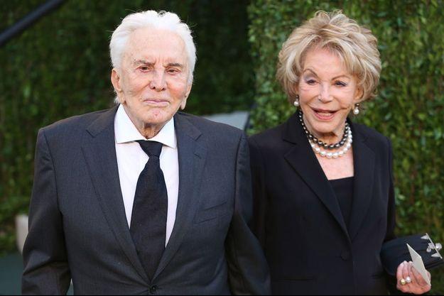 Anne et Kirk Douglas en février 2013 à Los Angeles