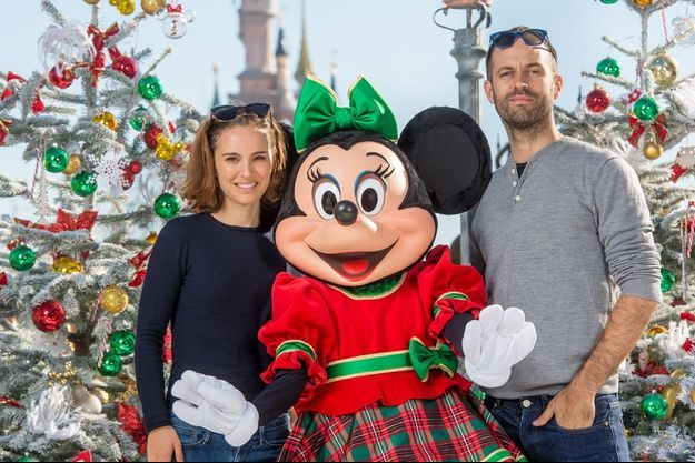 Le couple star a passé une journée à Disneyland Paris, le 6 novembre 2015.