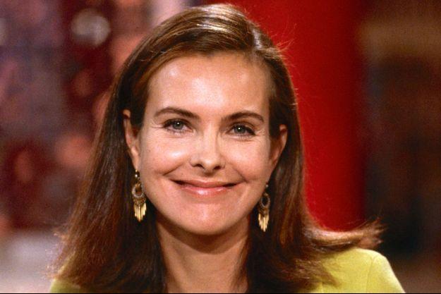 Carole Bouquet sur la plateau de l'émission de France 2 «Vivement dimanche» le 1er juillet 2014.