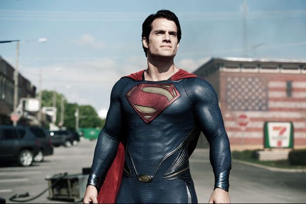 "Henry Cavill incarne le superhéros dans ""Man of Steel""."