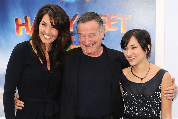 Robin Williams, entouré de sa femme, Susan Schneider, et de sa fille Zelda. En 2011 à Los Angeles