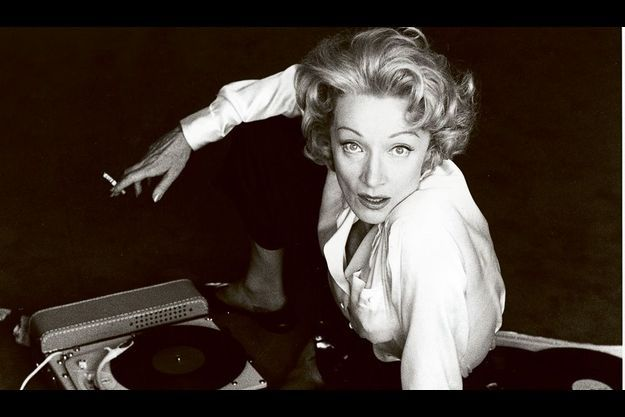 « Ces photos de Marlene Dietrich, que j'ai prises avec pour seul décor un Gramophone, étaient ses préférées. »
