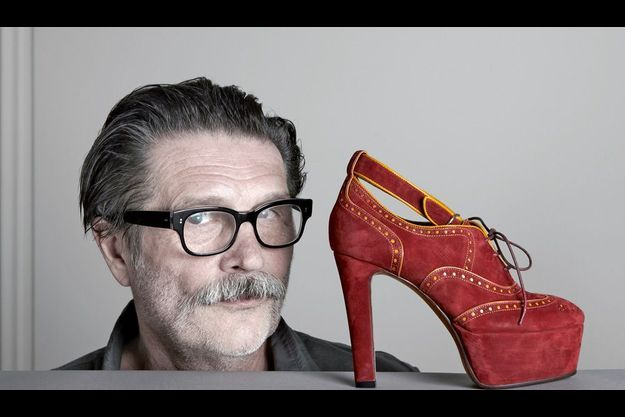 Michel Perry et l'un de ses modèles vedettes