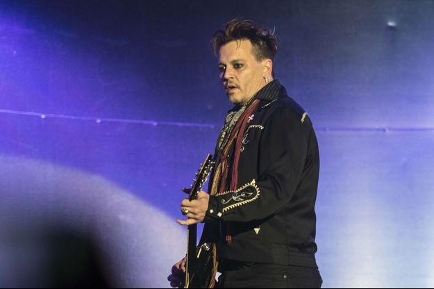 Johnny Depp en concert à Lisbonne, le 27 mai 2016.