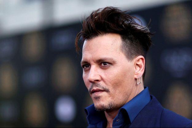 """Johnny Depp à l'avant-première du film """"Alice de l'autre côté du miroir"""", 2016"""
