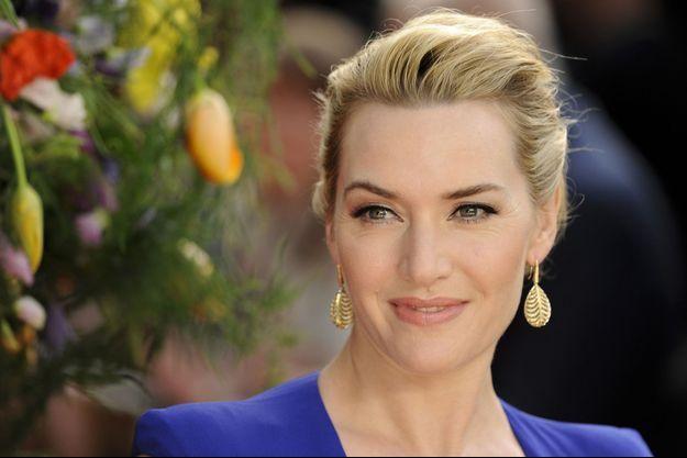 """L'actrice avoue dans l'interview qu'elle n'a """"entendu que des choses négatives"""" sur son corps en grandissant."""