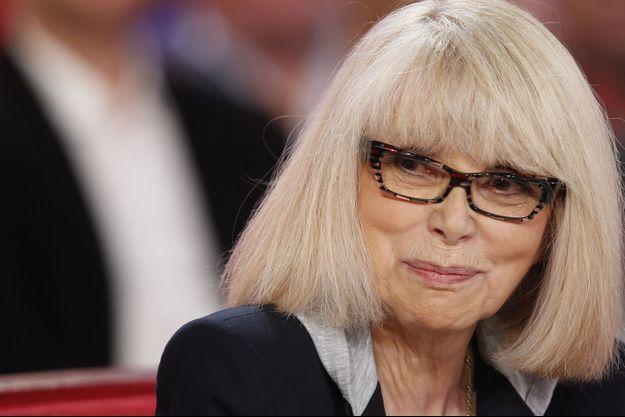 """Mireille Darc sur le plateau de l'émission """"Vivement Dimanche"""" en mars dernier."""