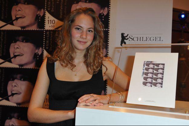 Emma Ferrer en décembre 2010 à Berlin, lors d'une vente aux enchères d'objets ayant appartenu à sa grand-mère Audrey Hepburn.