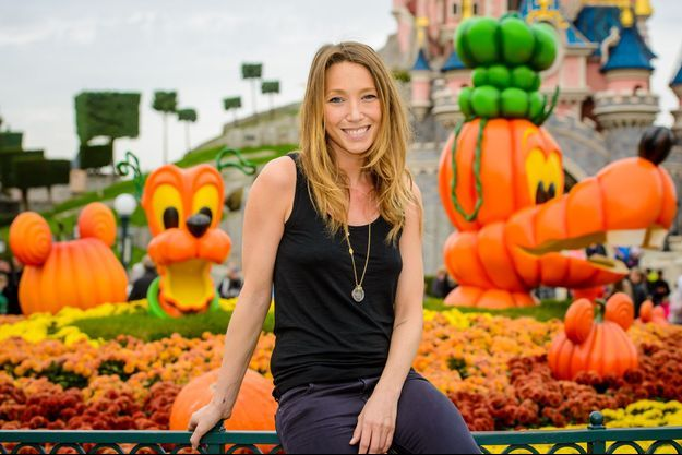 Laura Smet à Disneyland Paris, le 20 octobre 2014