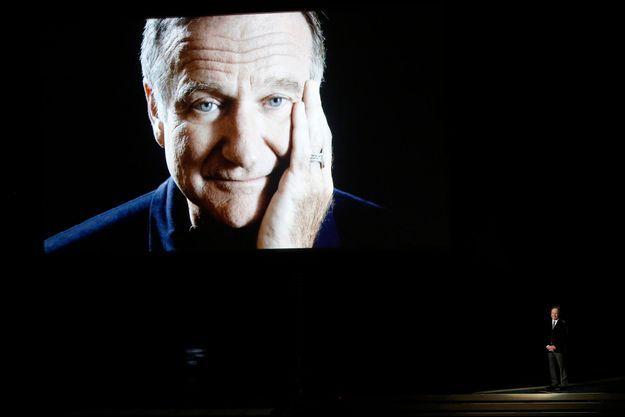 Billy Crystal a rendu un vibrant hommage à son ami Robin Williams le 25 août 2014 lors de la 66e cérémonie des Emmy Awards à Los Angeles.