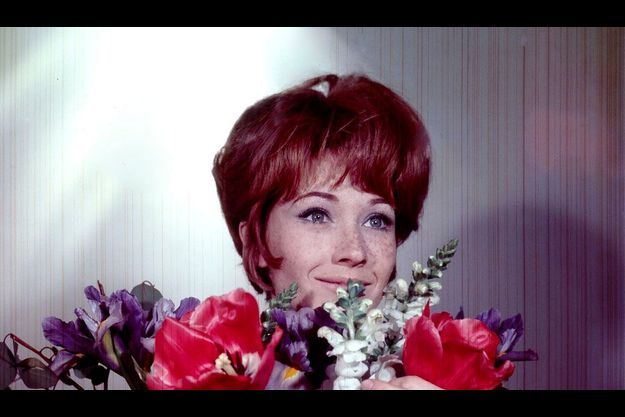 L'actrice au visage mutin constellé de taches de rousseur a été révélée en 1966 par Godard dans « Masculin, féminin » puis confirmée en 1967 par Louis Malle dans « Le voleur ». Elle est devenue populaire cette année grâce à « L'astragale ».