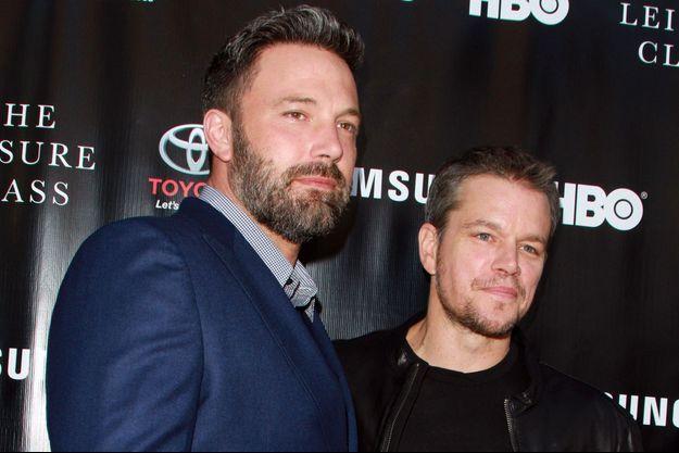 """Matt Damon (D) et Ben Affleck à la première du film """"The Leisure Class"""" à Los Angeles le 11 août dernier."""