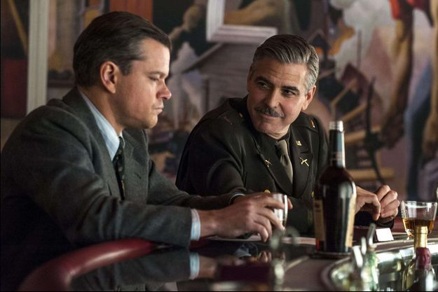 Matt Damon et George Clooney dans le film «Monuments Men», 2014.