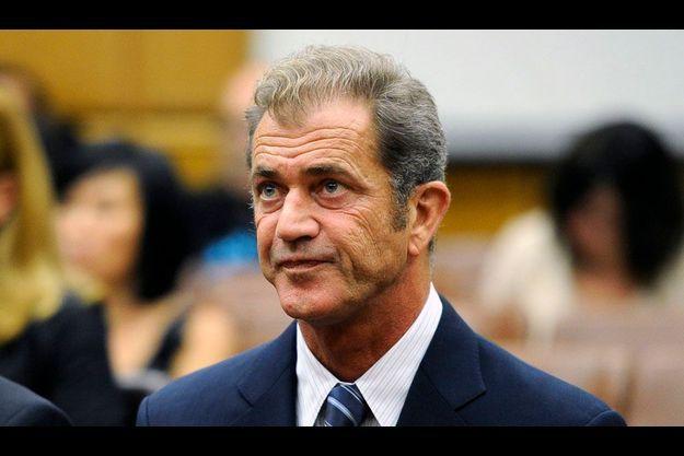 Un ancien collaborateur de Mel Gibson l'accuse dans une lettre d'antisémitisme et de violence.