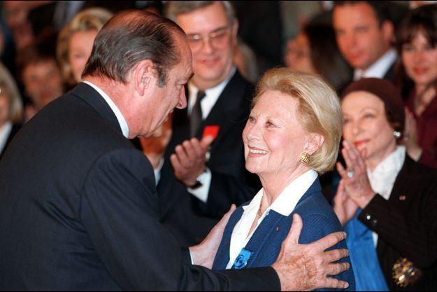 """Michèle Morgan avait été faite """"Grand Officier dans l'Ordre National du Mérite"""" des mains de Jacques Chirac, alors président de la République, en 1998"""