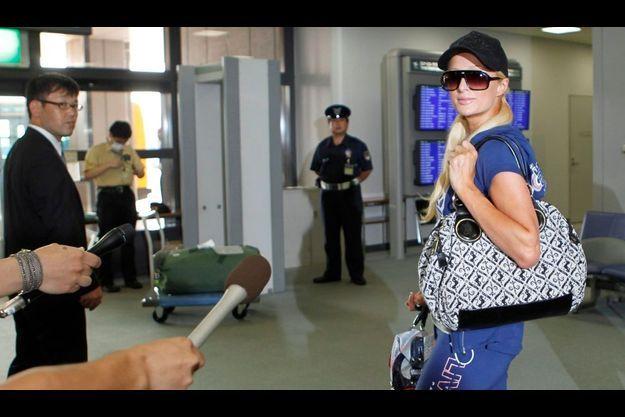 Paris Hilton à son départ forcé du Japon, cet après-midi.