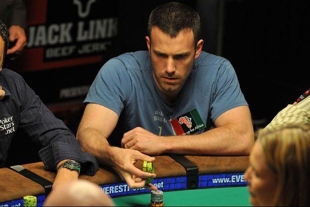 Ben Affleck lors d'un tournoi de poker de célébrités, organisé en 2009 pour l'association «Ante Up for Africa».