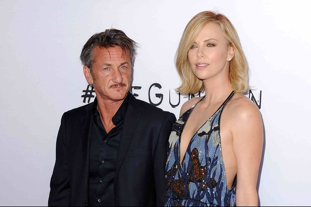"""Sean Penn et Charlize Theron à l'avant-première de """"The Gunman"""" le 12 mars dernier"""