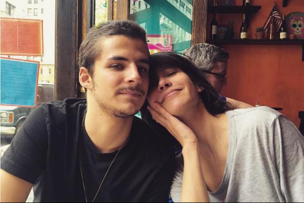 Sophie Marceau et son fils Vincent, à New York.