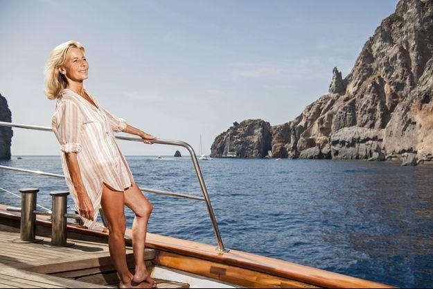 Claire vient de visiter la Pietra del Bagno, célèbre rocher à 500 mètres de la côte ouest de Lipari. Pour ses quinze jours au soleil, elle et ses amis ont choisi les îles Eoliennes.