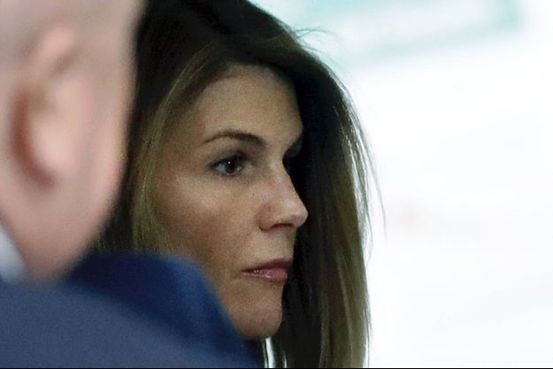Lori Loughlin lors d'une audience à Boston en 2019
