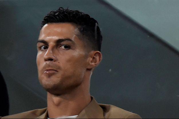 Cristiano Ronaldo dans les tribunes de l'Allianz Stadium de Turin.