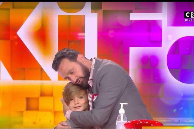 """Cyril Hanouna sur le plateau de """"C que du kif"""" jeudi soir avec son fils Lino."""