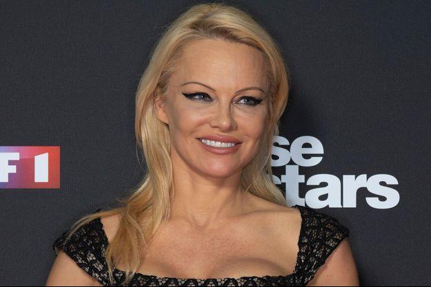 """Pamela Anderson lors du photocall de la la saison 9 de l'émission """"Danse avec les stars""""."""