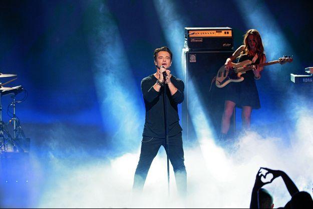 Sur la scène des NRJ Music Awards, le 10 novembre. David interprète « Ma dernière lettre », « une chanson d'amour et de transmission ».