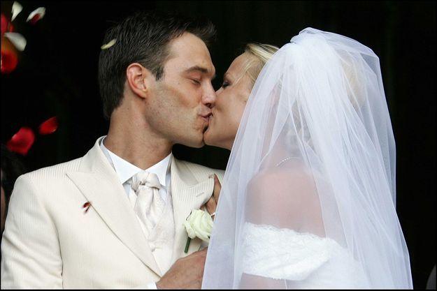 Elodie Gossuin et Bertrand Lacherie en 2006 le jour de leur mariage