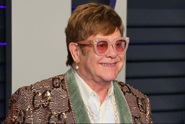 Elton John en février à la Vanity Fair Oscar Party.