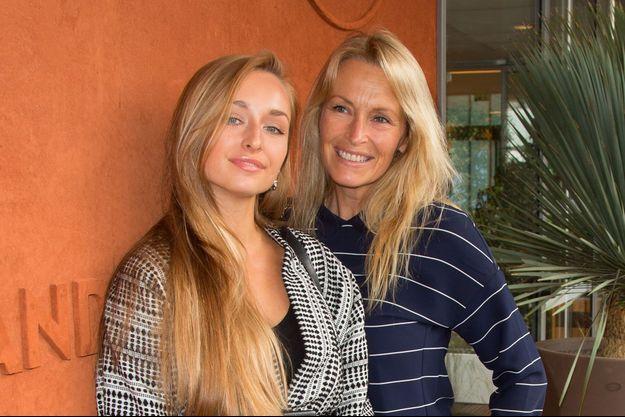 Estelle Lefébure et sa fille Emma Smet à Roland Garros, le 6 juin 2018