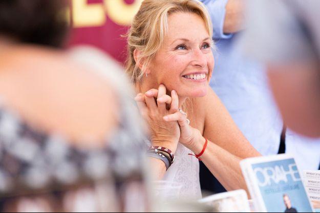 Estelle Lefébure à Marseille, lors du festival Des Livres, Des Stars, le 16 juin 2018.