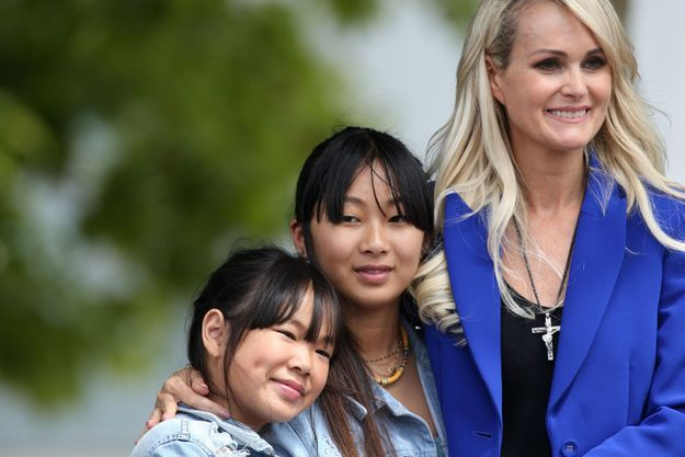 Joy, Jade et Laeticia à Toulouse le 15 juin 2019 lors de l'inauguration de l'esplanade Johnny Hallyday.