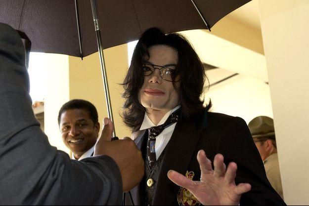 Michael Jackson lors de son procès en 2005