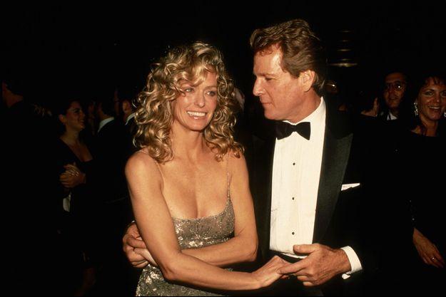 Farrah Fawcett et Ryan O'Neal en 1989