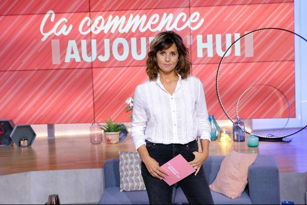 """Faustine Bollaert dans """"Ça commence aujourd'hui""""."""