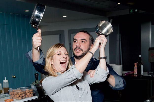 Valse de casseroles entre François-Xavier et Anaïs Tihay. Les deux amoureux aiment tout ce qui est bon. Ce qui, chacun le sait, est très mauvais…